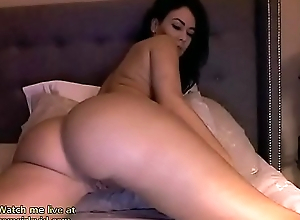 Horny brunette webcam dp