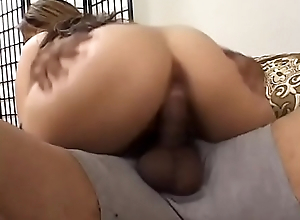 Chap-fallen mature in black stockings Clirissa gets twat sucked as she blows a cock on divan