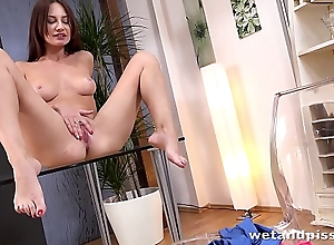 Wet Porn - Lana Ray pees her leggings and fucks a golden vibrator