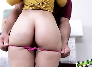 Kitty Carrera goes down to her knees and blowjob Mr.Reyez huge cock!