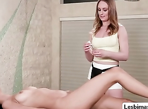 Eliza fucked by a trainee masseuse