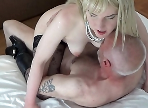 Ulf Larsen sucked by whore Angel