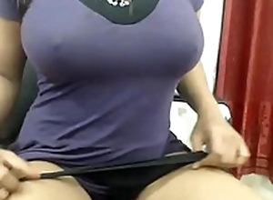 Heavy Boobs Desi Indian Bhabi Fingers