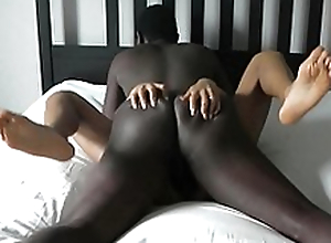 Huge BBC leaves wife's pussy beat up and filled with cum