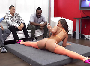 Buddies franchise stripper Kelsi Monroe who performs a hot XXX dance