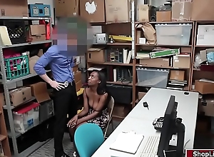 LP officer screws ebony Dayas wet pussy